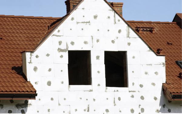 Ile kosztuje termomodernizacja domu? Co się opłaca?