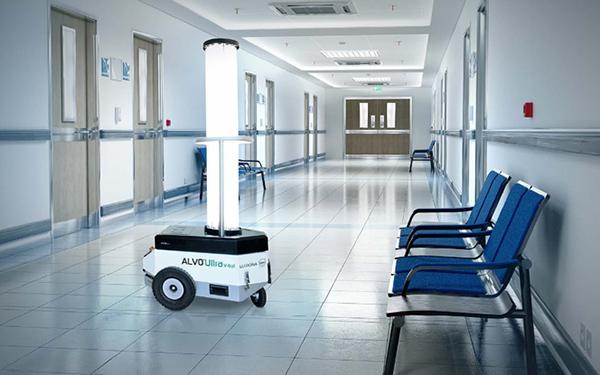 Autonomiczny robot dezynfekujący - czysta i bezpieczna przestrzeń publiczna